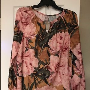 Chico's floral tunic top- green with pink